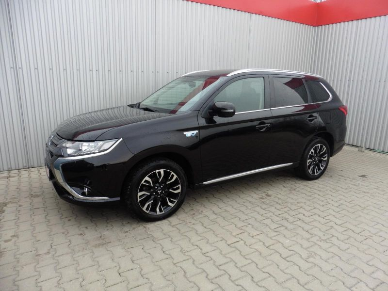 Mitsubishi Outlander 2.0i PHEV Instyle AWD A/T